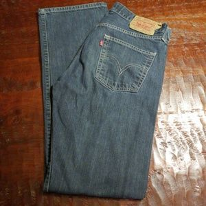 Levi's 501 Button Fly Jean's 32 x 34 - 25